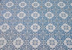 DSCN3836 (EadaoinFlynn) Tags: setubal portugal urban city tile azulejo blue