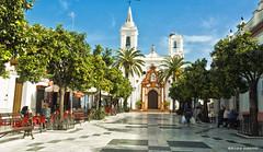 2278  Almonte, Huelva (Ricard Gabarrús) Tags: ciudad paseo jardin calle pueblo almonte airelibre arquitectura monumento iglesia capilla ricardgabarrus olympus ricgaba