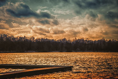 Winter Sunset (KJ Photographie) Tags: baum bäume clouds forest germany himmel lake landschaft licht light münsterland nikon riesenbeck see sky sonnenuntergang torfmoorsee tree trees wald wasser water wolken cloud landscape misty sunset winterlandscape