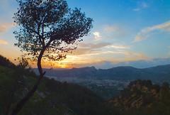 Atardecer ..... 52.HS (davidgv60) Tags: david60 alcoi españa atardecer ski color sunset spain fujifilmhs30exr nubes nwn cielo natur natural 365dias paisvalenciá photodgv