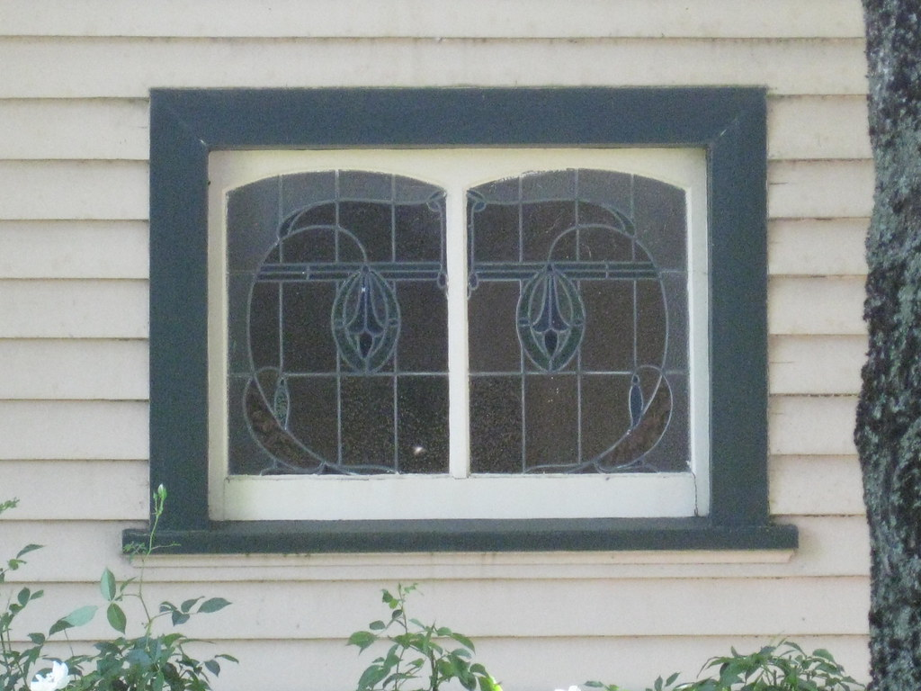 The world 39 s best photos of 1900s flickr hive mind for Queen anne windows