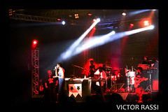 Emicida (victorrassicece 2 millions views) Tags: show brasil canon américa musica hiphop rap goiânia goiás colorida américadosul 2014 musicabrasileira 20x30 rebelxti canoneosdigitalrebelxti emicida canonefs1855mmf3556is leandroroquedeoliveira