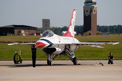 Thunderbirds Recovery Performance - Joint Base McGuire-Dix-Lakehurst Open House & Air Show 2014 (adcristal) Tags: show burlington us newjersey fighter force aircraft aviation air united airplanes flight wing nj airshow demonstration f16 falcon states thunderbirds fighting airforce usaf base aerospace mcguire squadron afb 57th 2014 mdl lockheedmartin generaldynamics mcguireairforcebase newhanover nikon70300f456g airdemonstrationsquadron nikond80 57thwing northhanover jointbase jointbasemcguiredixlakehurst jointbasemcguiredixlakehurstopenhouseairshow