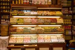 Bazar aux épices Istanbul (SebastienToulouse) Tags: istanbul turquie patisserie souk bazaar istambul epices savon egyptien