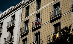 Above La Rambla (NinoDeRua) Tags: barcelona street light portrait woman girl canon spain natural streetphotography 1855mm barrio raval rambla