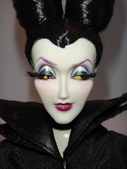 Designer Maleficent in DFC Maleficent's Outfit - Standing - Closeup Front View #1 (drj1828) Tags: us outfit robe dressing staff gown disneystore 12inch maleficent 1112inch disneyvillainsdesignercollection disneyfilmcollection disneymaleficent swappingoutfits