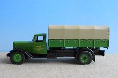 CITROEN P 45 (1946) 1/43 (xavnco2) Tags: green classic truck french perfil citroen vert 45 lorry camion profil 143 lkw autocarro ixo p45 modeltrucks diecastmodel altaya 45u