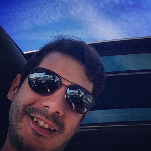 Having the a blue sky and a sunroof is magic!!! #sunny #sorento #kiasorento #happy #cars #guys #boys #men #rayban #gay #gayboy #gaymen #gaybelgium #smiles #belgium #brussels #lgbt #lovewhatyoudo #amazing #greattrip