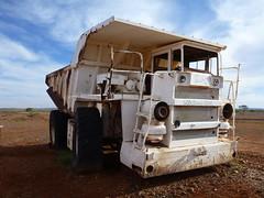 Abandoned baby haul pack on the Ashburton Downs road (Figgles1) Tags: abandoned station truck downs dump pack trucks haul ashburton pilbara haulpack ashburtondowns p1100532 haulpacks