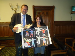 "Stephen Mosley MP presents Send My Friend to School paperchains to DFID minister Lynne Featherstone • <a style=""font-size:0.8em;"" href=""http://www.flickr.com/photos/51035458@N07/14490921387/"" target=""_blank"">View on Flickr</a>"