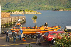 RNLI, Spirit of Fred Olsen (Mrtainn) Tags: scotland boat highlands alba escocia lifeboat landrover alban szkocja esccia schottland 999 rnli westerross schotland ecosse lochalsh scozia skottland rossshire skotlanti skotland kyleoflochalsh broskos caollochaillse esccia skcia albain bta iskoya  rawtherapee  lochaillse gidhealtachd btateasairginn taobhsiarrois siorramachdrois scoia b856 spiritoffredolsen hg55gkj