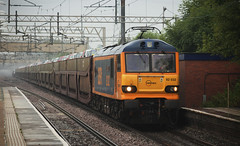 92032 Acton Bridge 19/07/2014 (Flash_3939) Tags: uk blue summer cars ford sunshine train july rail railway glorious heatwave britishsummer 2014 westcoastmainline wcml class92 actonbridge gbrf 92032 cartic