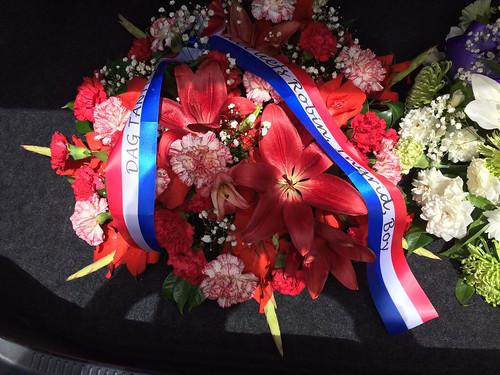 70mm rood wit blauw rouwlint met zwart bedrukt