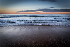Me Arrastra (You Drag Me) (Dibus y Deabus) Tags: gijon asturias españa spain playa beach cielo sky nubes clouds amanecer dawn canon 6d tamron