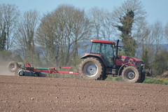 Case IH MXM 120 with a Kverneland Cambridgeshire Ring Roller (Shane Casey CK25) Tags: case ih mxm 120 kverneland cambridgeshire ring roller red cnh casenewholland castletownroche sow sowing set setting drill drilling tillage till tilling plant planting crop crops cereal cereals county cork ireland irish farm farmer farming agri agriculture contractor field ground soil dirt earth dust work working horse power horsepower hp pull pulling machine machinery grow growing nikon d7100 traktor tracteur traktori trekker trator ciągnik corn