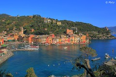 Springtime (Maurizio Longinotti) Tags: springtime spring primavera caseallaligure portofino houses case finestre persiane windows sky cielo cityscape vista piazzetta golfodeltigullio liguria italia italy mare sea marligure boats water chiesa church