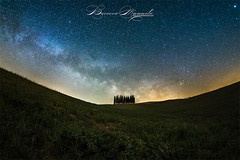 iN MY WORLD (Manuelo Bececco Photography) Tags: italy tuscany landscape nightscape stars valdorcia sanquirico cipressys cipressi tree trees milkyway carlzeiss