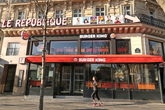 Burger King Paris République - Paris (France) (Meteorry) Tags: europe france idf îledefrance paris placedelarépbulique république burgerking quick storefront restaurant fastfood instore rebranding rebranded whopper géant saturday morning matin olivierbertrand groupebertrand woman femme girl jogging sports running expansion marketleader food march 2017 meteorry