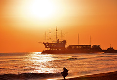 Jeongdongjin #2 (daniel0027) Tags: jeongdongjin shipshapecafe sea earlymorning sunrise waves gangwondokorea eastsea freshness flamingsunrise sailingboat