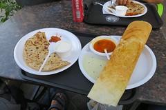 Dubaj - na obědě u inďáků (zcesty) Tags: jídlo dubaj dosvìta sae spojenéarabskéemiráty dosvěta sae1 ae
