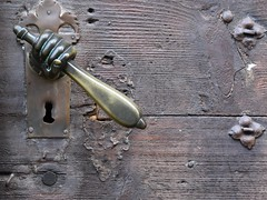 (:Linda:) Tags: germany bavaria franconia town bamberg fist hand doorhandle