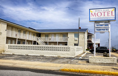 Luna Mar Motel (Mark ~ JerseyStyle Photography) Tags: markkrajnak jerseystylephotography newjersey april2017 2017 jerseyshore vintage motel seasidepark
