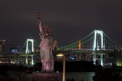 Bootleg Statue of Liberty @ Odaiba (tomazws) Tags: odaiba statueofliberty japan tokyo rainbowbridge bridge night photography harbor ocean longexposure