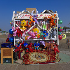 BOUTIQUE DE JOUETS DE PLAGE A JEDDAH, ARABIE SAOUDITE (Eric Lafforgue Photography) Tags: voyage travel game beach toy outside outdoors outdoor middleeast bluesky nopeople arabia jeddah saudiarabia plage jouet jeu jedda ksa exterieur saudiaarabia moyenorient colorpicture kingdomofsaudiarabia djeddah djedda photocouleur arabiesaoudite colourpicture thelandofthetwoholymosques