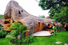 ธีรมา คอทเทจ รีสอร์ท  บ้านไม้ธรรมชาตินอนได้หลายคน