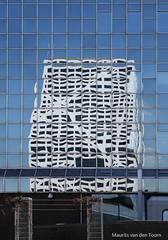Deconstructivisme (Maurits van den Toorn) Tags: blue white reflection office utrecht blauw blau wit reflexion weiss spiegelung reflektion weerspiegeling rabobank stadskantoor spieeling
