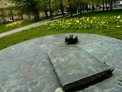 Paperbook in Fatbursparken (realdauerbrenner) Tags: travel buch book reisen europa europe sweden stockholm schweden capital skandinavien bok sverige scandinavia 2014 fatbursparken