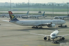 South African Airways --- Airbus A340-600 --- ZS-SNB (Drinu C) Tags: plane aircraft sony airbus muc dsc a340 southafricanairways eddm zssnb hx9v adrianciliaphotography
