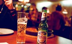Peroni nastro azurro (HolmisticWalker) Tags: film beer glass 50mm restaurant bottle italian peroni bokeh grain 400 vista plus epson birra nastro azurro v750 agfaphoto