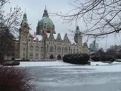 Rathaus Hannover (rckem) Tags: schnee winter germany deutschland major europa europe hannover townhall hanover rathaus kalt eis neuesrathaus lowersaxony gefroren maschteich rathaushannover zugefroren