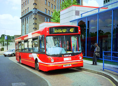 Arriva V611LGC Croydon (The original SimonB) Tags: london film buses 2000 transport july scanned arriva