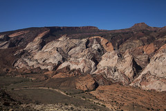 Uplifting (Explored) (Jeff Mitton) Tags: mountains sandstone canyon wilderness capitolreefnat