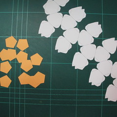 วิธีทำโมเดลกระดาษหมีบราวน์ชุดบอลโลก 2014 ทีมบราซิล (LINE Brown Bear in FIFA World Cup 2014 Brazil Jerseys Papercraft Model) 001