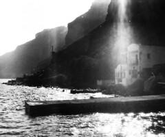 boulis de lumire sur le port (asketoner) Tags: port harbour santorini oia armeni