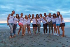 De Bende van Lynn (Dennis Bevers) Tags: girls friends people beach smiling belgium group lynn be tanktop shorts oostende bacheloretteparty flanders flowercrown kellysteemans
