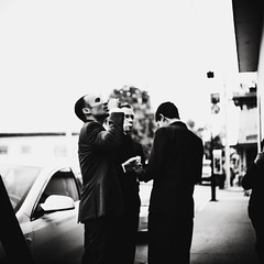 Bubbles (Jesse Acosta) Tags: wedding film mediumformat mexico streetphotography bubbles delta ilford coahuila yashicamat124g streetphotographer piedrasnegras 2013 jesseacosta