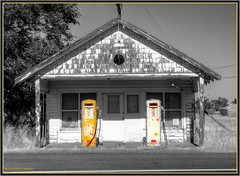 Station (ScottElliottSmithson) Tags: old abandoned monochrome oregon canon eos gasstation highdesert 7d pacificnorthwest desaturated ruraldecay selectivedesaturation abandonedplace oldgasstation easternoregon abandonedgasstation shermancounty eos7d dtwpuck scottsmithson scottelliottsmithson