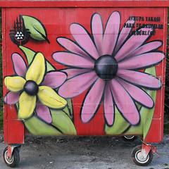 neşeli çöpler-6 (zeynepyil) Tags: art garbage istanbul sanat çöp