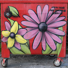 neeli pler-6 (zeynepyil) Tags: art garbage istanbul sanat p