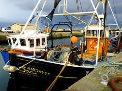 INS9 Amethyst (calzer) Tags: boat fishing saturday 9 fender amethyst ropes ins burghead broch