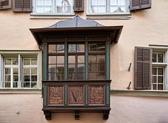 20110206-171930 (Ernst_P.) Tags: schweiz zürich stadt kantonzürich architektur erker haus che