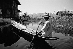 Boatman (pacco_racco) Tags: boatman boat water waterside blackwhite inlelake myanmar southeastasia leicasummicron35mmf20asph leicam6 kodaktrix400