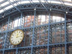 St Pancras (Pat's_photos) Tags: london stpancras station clock window reflection hww