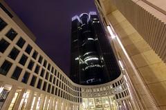 Tower 185 (ploh1) Tags: frankfurt ffm mainhattan tower185 wolkenkratzer hochhaus arkaden schräg nachtaufnahme langzeitbelichtung