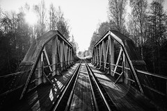 Rottneros, järnvägsbro (Michael Erhardsson) Tags: 2016 höst oktober svartvitt bro bridge järnvägsbro rottneros fryksdalsbanan värmland järnväg spår räls