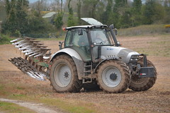 Lamborghini R6.180.7 Tractor with a Kverneland 5 Furrow Plough (Shane Casey CK25) Tags: lamborghini r61807 tractor kverneland 5 furrow plough silver sdf samedeutzfahr castletownroche ploughing turn sod turnsod turningsod turning sow sowing set setting tillage till tilling plant planting crop crops cereal cereals county cork ireland irish farm farmer farming agri agriculture contractor field ground soil dirt earth dust work working horse power horsepower hp pull pulling machine machinery nikon d7100 tracteur traktor traktori trekker trator ciągnik